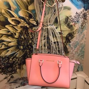 Michael Kors Selma pink leather crossover bag
